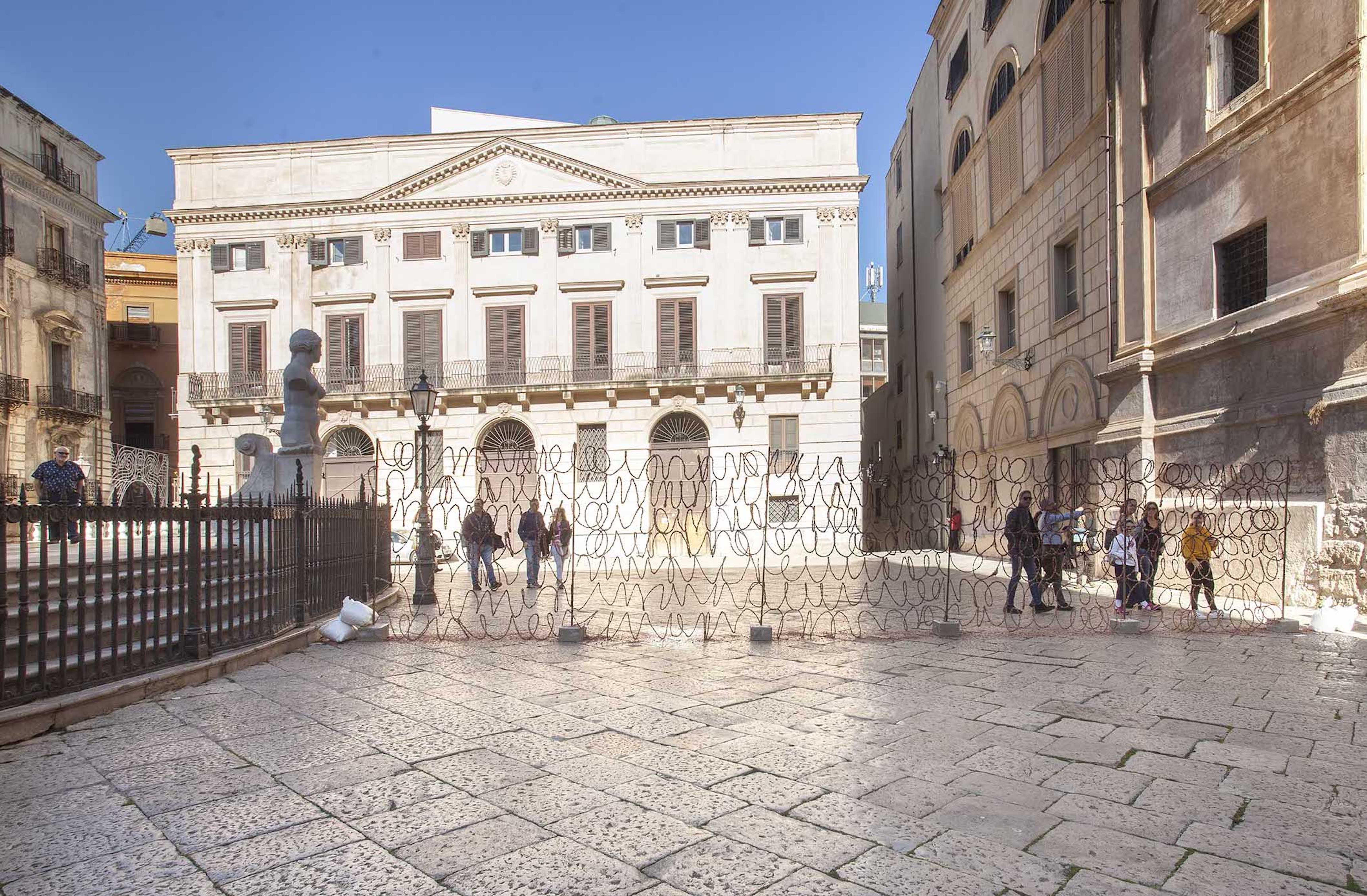 Giuseppina Giordano, THE WALL OF DELICACY, installation's view, Piazza Pretoria, Palermo, Italy / BAM Festival / ph: Stefania Romano